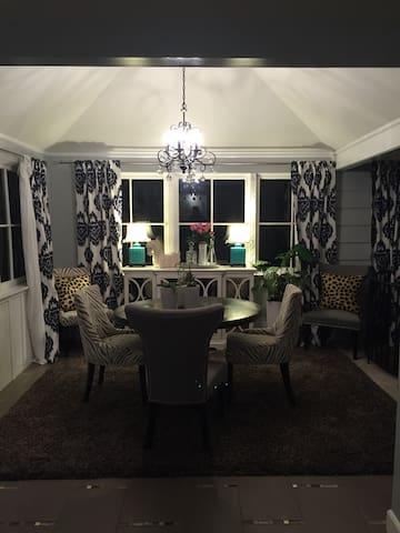 Beautiful 5 bedroom home in Orinda - Orinda - Huis