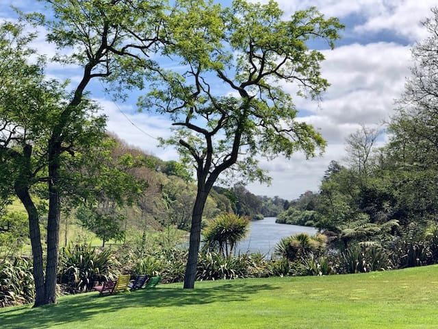 Grounds of Apartment on Riverbend with stunning views of the Waikato River