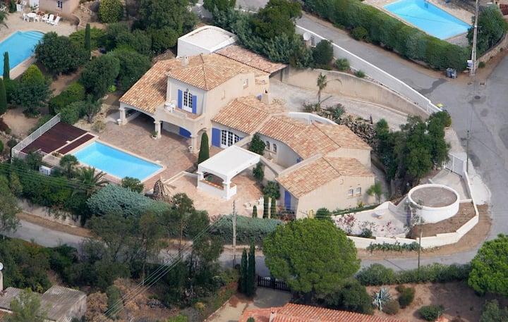 Magnifique Villa standing, 250m2, piscine, vue mer