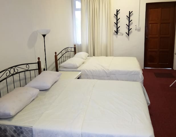 Family Room With Balcony Kurau Inn Homestay - Kuala Kurau - Appartement