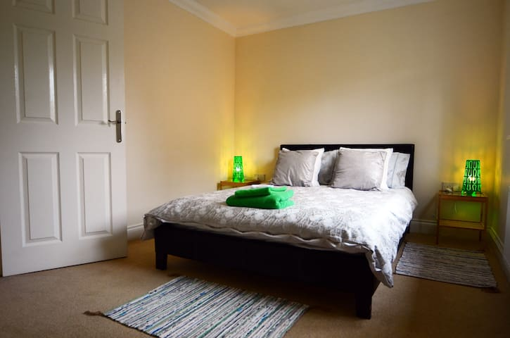 Double room with en-suite in Newburn, Newcastle.