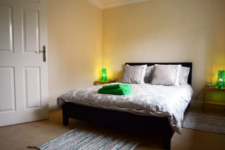 Double room with en-suite in Newburn, Newcastle.