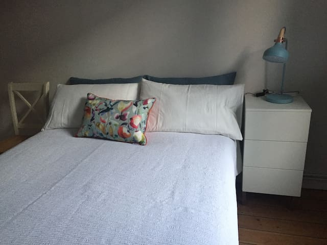 Charming and Cosy Flat near to London Bridge