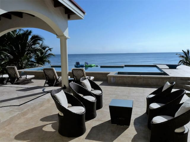 Affairs To Remember - Stylish Oceanfront 3BR