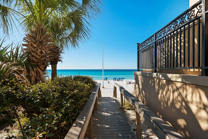 BOOK NOW MARCH RATES REDUCED for this beautiful NEW 3bd 2.5ba townhome is available for a 3 night minimum rental. Close to beach, Community Pool, activities and shopping