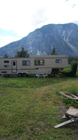 Orchard Guest Suite (Private RV) - Keremeos - Bed & Breakfast