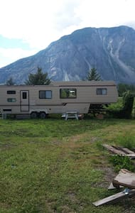 Orchard Guest Suite (Private RV) - Keremeos