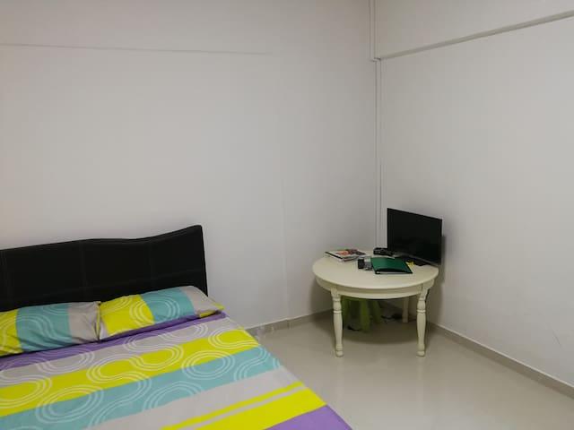 local living, comfy and cozy double room