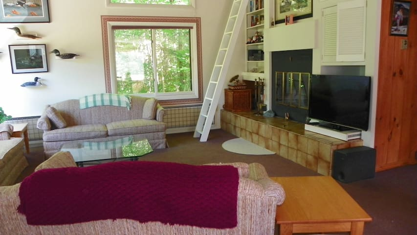 Roomy living room at vacation condo in Lincoln, New Hampshire