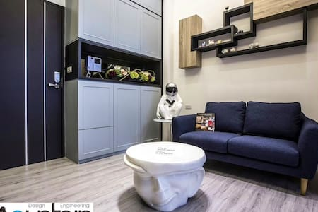宜蘭東區小豪宅,連續入住享優惠價格請洽房東,交通便利,近轉運站與後火車站,出入磁卡管控及警衛執勤維安