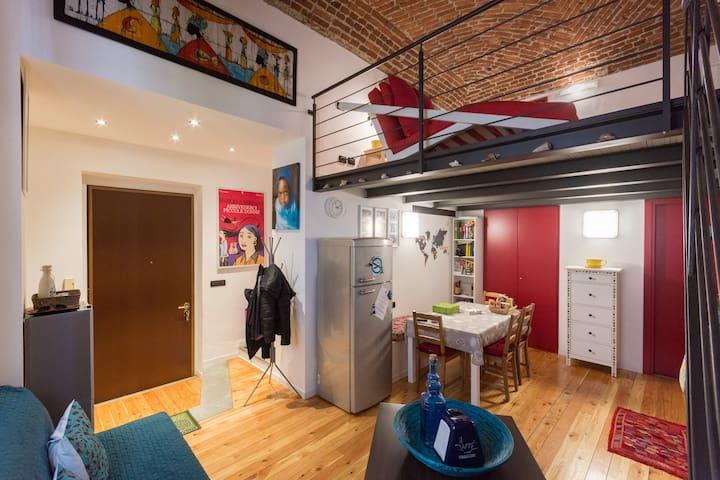 Central cosy loft - free wifi