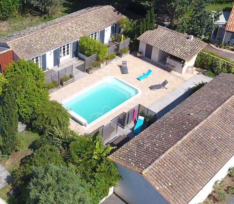 Maisonnette avec piscine la jaune maisons louer for Location maison avec piscine ile d oleron
