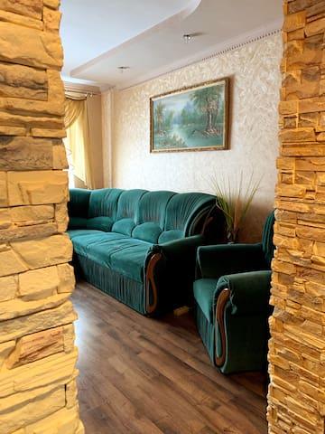 Cozy family 2-BR apartment near Sofiyvka Park Uman