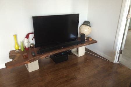 Loft with adjoining private room. - San Diego