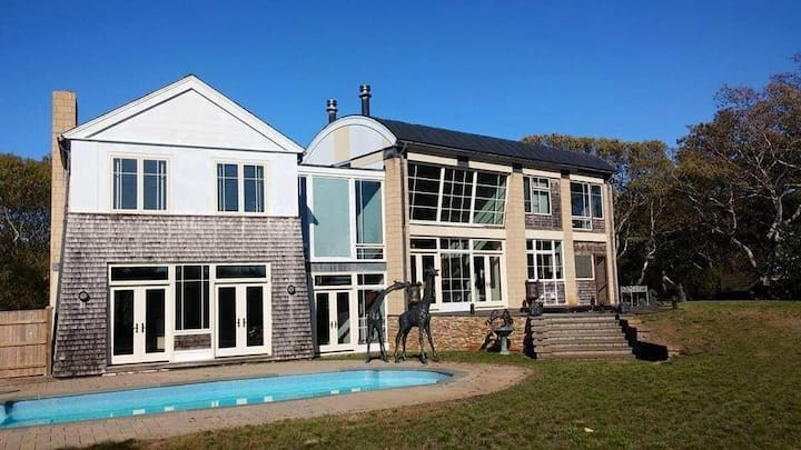A Gem in the Woods. Ptown finest home.Luxury Home.
