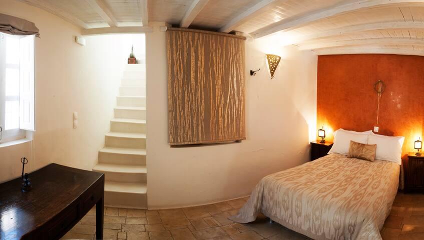 Heliophos Studio with loft