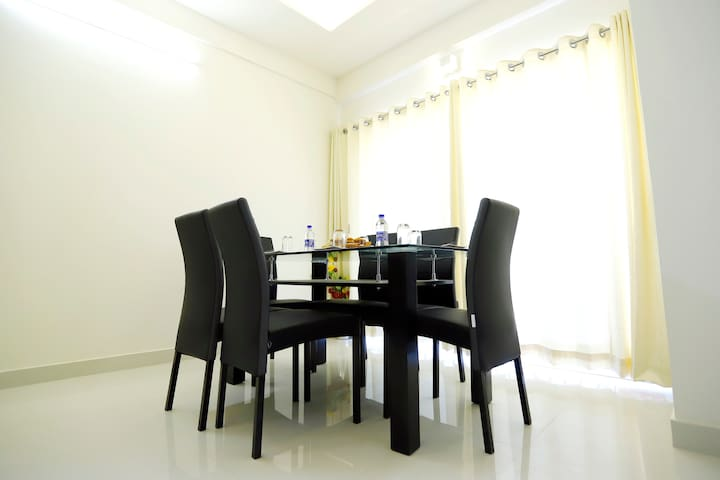SmartStay-2BHK Serviced Apartment