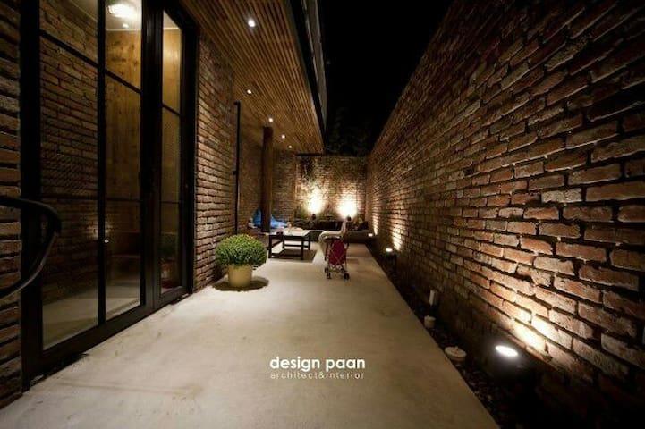 전주 막걸리 골목. 혜오가의 또다른 공간. [garden혜오] - Wansan-gu, Jeonju-si - House