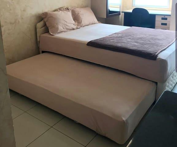 2 Beds size 140 x 200 cm