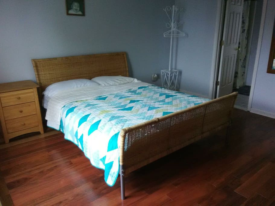 queen bed, new Rosewood floors, attached master bath.