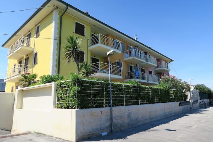 Casa Lucia, un balcone sul mare mediterraneo - Province of Macerata - Apartamento