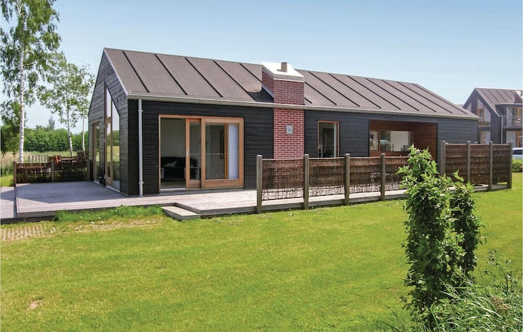 Holiday cottage with 3 bedrooms on 105 m² in Stubbekøbing