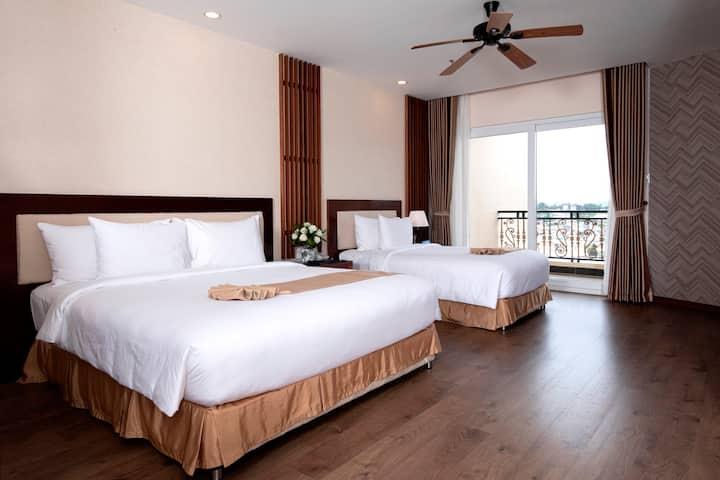 Ladalat Hotel Deluxe Triple Room with Balcony
