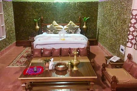 AFNO GHAR TEMPLE RESORT (Eco-Cultural-Heritage) - Dhangadhi - Heritage-hotelli (Intia)