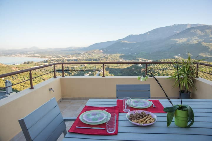 Plum Tree - Exceptional view with pool access