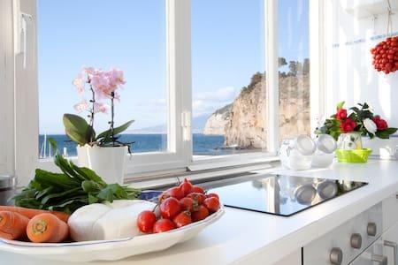 Cassano Blu Apartment - Piano di Sorrento - Huoneisto