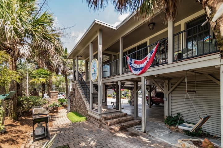 Coops Coop, 5BR/4BA Second Row Beach House
