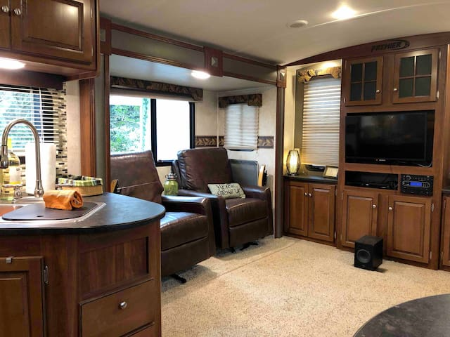 Unique RV steps from the hippest part of Atlanta