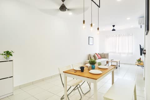 Tranquil Abode   Fully AC Apt with WIFI, Netflix
