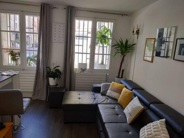 Tres jolie chambre d appartement au cœurde Paris 6