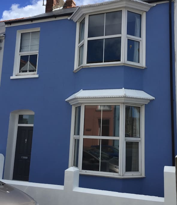 Beautiful tenby house sleeps 8 houses for rent in tenby House beautiful com kitchens