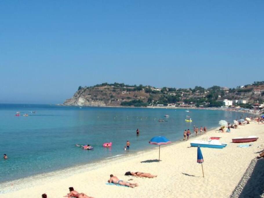 spiaggia nelle vicinanze