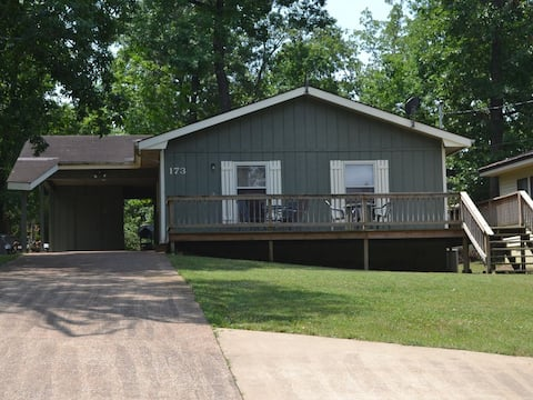 # 6173 Vacation Home With Lake Sequoyah Access