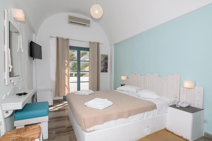 Double Room with balcony&breakfast