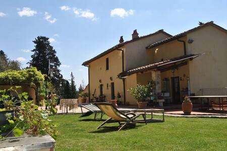 PODERE GATTAIUZZA,lovely farmhouse next to Firenze