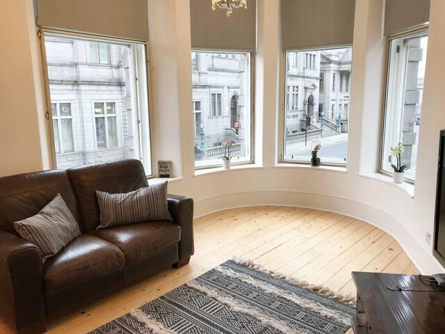 Living Room_ His Majestys Apt near Theatre Aberdeen