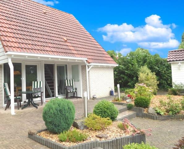 4pers Ferienhaus mit schönem Garten am Lauwersmeer