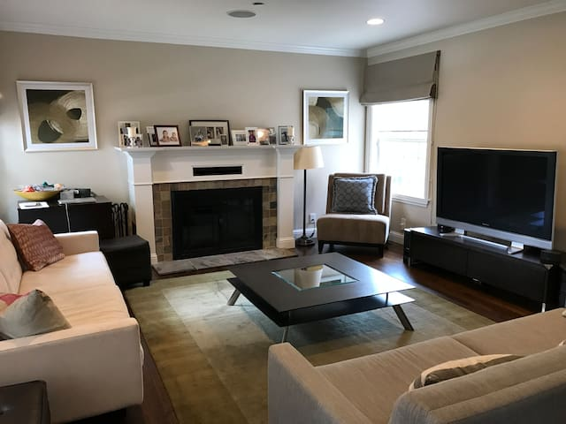 Charming 3-bedroom family home in Burlingame