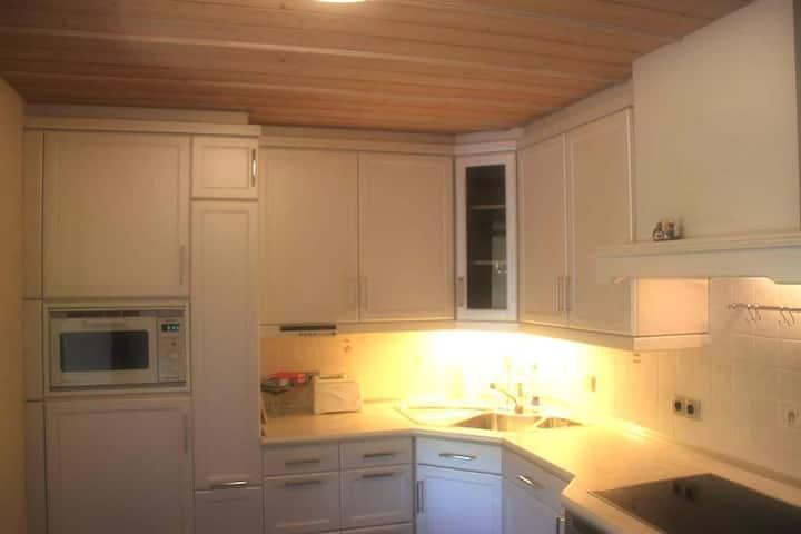 Haus Farbenklang (Zwiesel), Feenwohnung mit kostenfreiem WLAN und Himmelbett