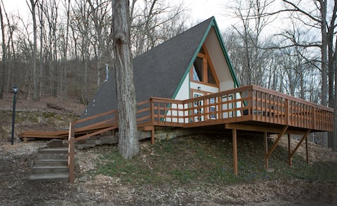The Hillside Cabin near the Illinois River