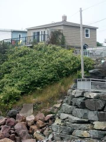 Cottage by the Sea - St. John's - Casa