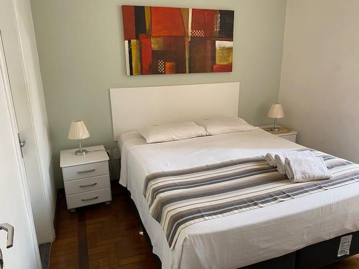 Charmoso apartamento na av. Atlântica, Copacabana