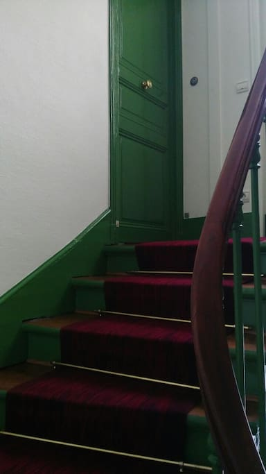 Flat staircase - Cage d'escalier