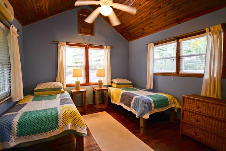 Upstairs bedroom / loft area.