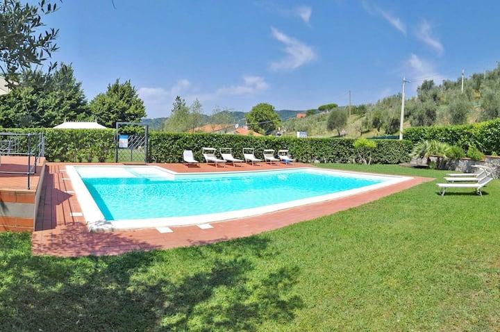 Villa Delizia 16P Large Pool, WiFi near 5 terre