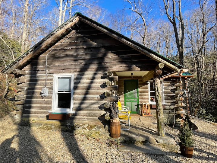New Listing! The Glenna Cabin with hot tub